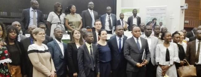 Rencontre entre les acteurs des projets emplois jeunes et les entreprises du secteur privé sur les programmes stages