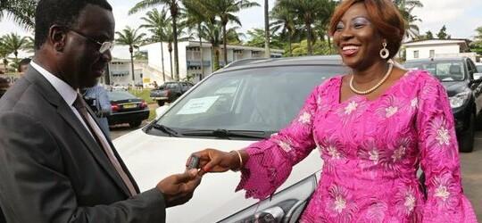 Remise de 51 véhicules d'une valeur de plus de 1 milliard aux structures sous tutelle du ministère de l'Éducation nationale