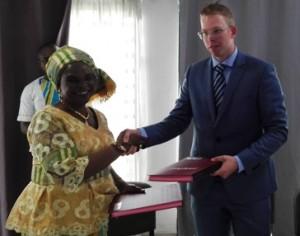 Signature de convention de partenariat entre la FENASCOVICI et DIJKSTAAL International B.V