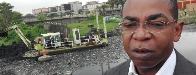 Le Ministre Claude Isaac DE visite les travaux d'assainissement et de drainage de la Commune de Koumassi