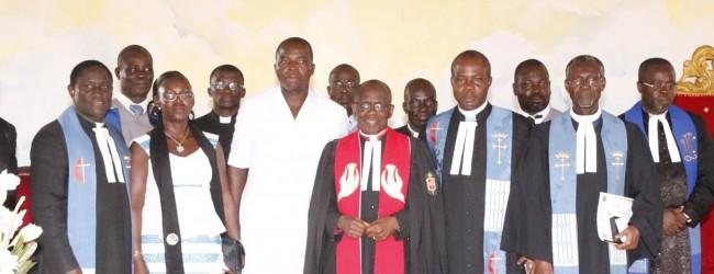 EVANGELISATION ASSIE KOUMASSI (Bongouanou)/Le Bishop Benjamin BONI dédicace la «Chapelle du possible» du Camp Bethesda  Devant plus de 20000 personnes