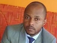 ETTIEN Kouamé Brice Tiémélé DFC de l'Ageroute pour recevoir le « Prix du Manager Espoir pour la Transparence, l'Efficacité dans la Gestion des Finances Publiques en Cote d'Ivoire  ».