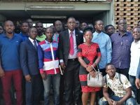 Le président de la fédération des réseaux ivoirien des consommateurs de côte d'Ivoire (FRIC) a fait un important don d'Ouvrages littéraires aux étudiants de l'université Félix Houphoueth Boigny d'Abidjan-Cocody