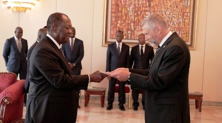 L'Ambassadeur des Etats-Unis Richard K. Bell présente ses lettres de créances au Président Alassane Ouattara