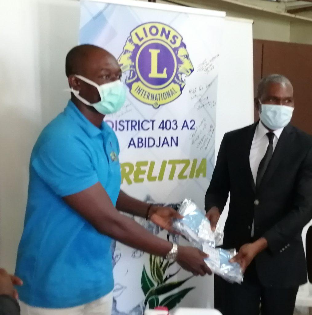 le Club Abidjan Strelitzia du District 403 A2 ,Région 31 Zone 311 du Lions Clubs International fait un don de masques et kits hygiéniques au service d'Oncologie Pédiatrique du CHU de Treichville