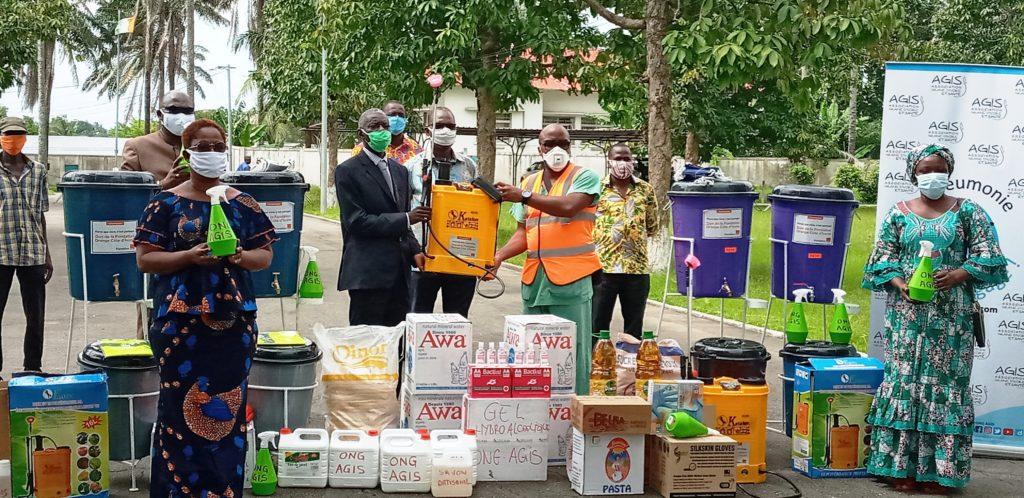 Coronavirus/Reprise des cours : L'Ong Agis renforce les mesures barrières au lycée technique d'Abidjan.