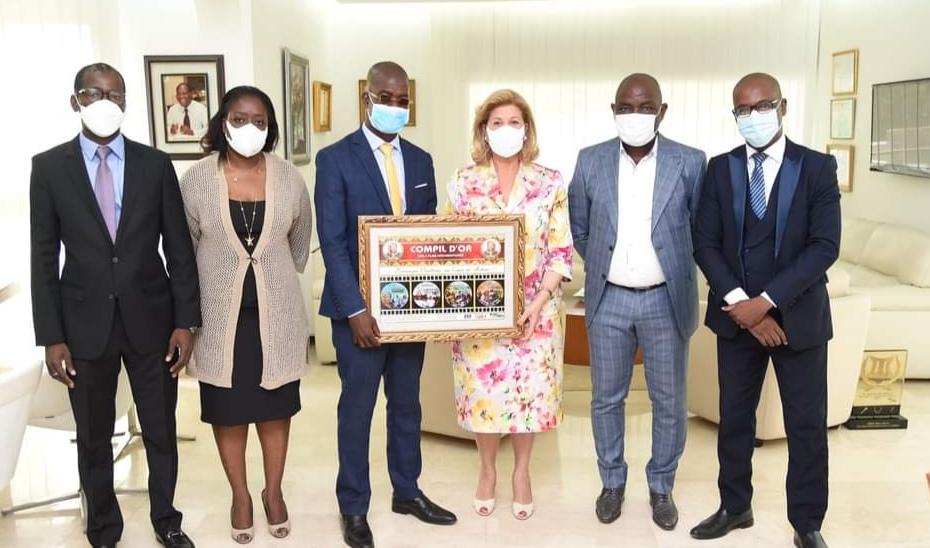 Remise de la Compil d'or » Dominique Ouattara, un cœur en action»