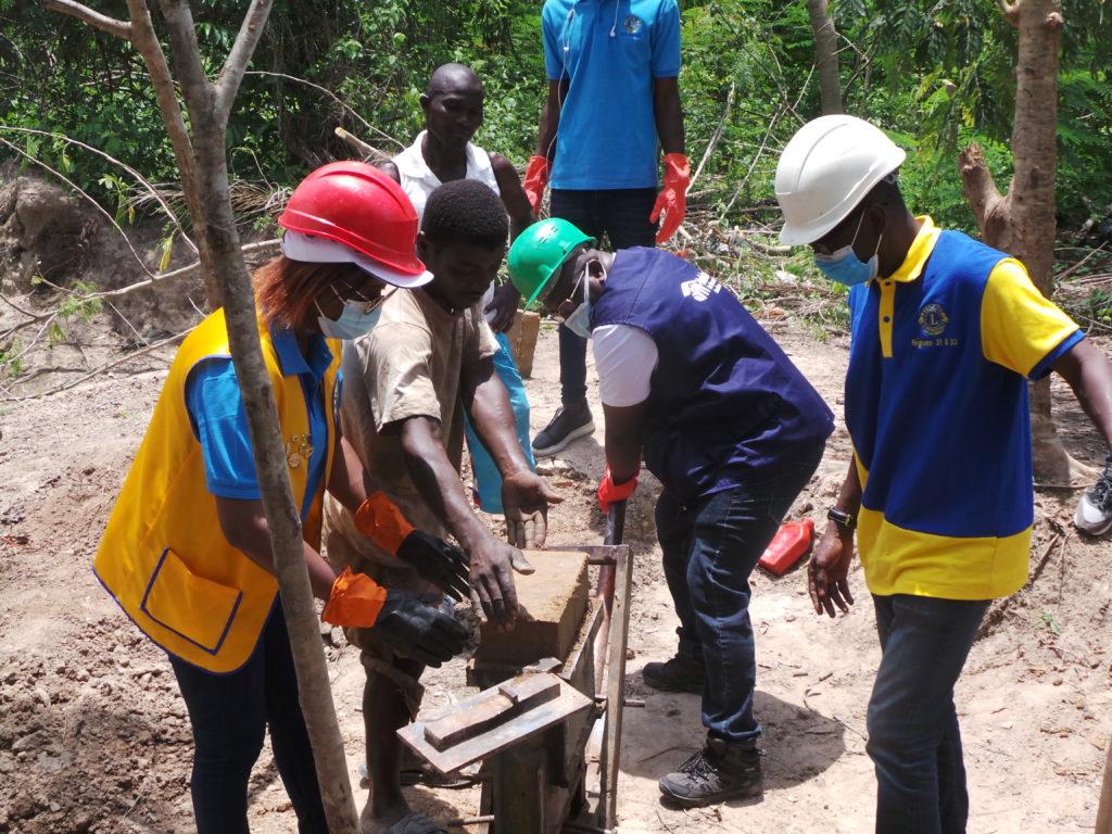 Santé et environnement:Des latrines et des points d'eau construits pour les communautés défavorisées