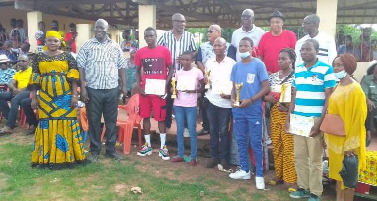 Côte d'Ivoire : L'ONG Notre GAGNOA Demain récompense les meilleures élèves aux Examens 2021 de la Direction Régionale de l'Education Nationale (DREN) du GÔH.